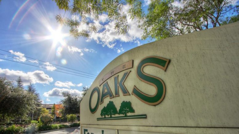 Oaks Shopping Center