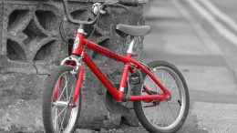 A suspected bike theft was arrested in Cupertino Wednesday night after he was seen loading bikes into a pickup truck.