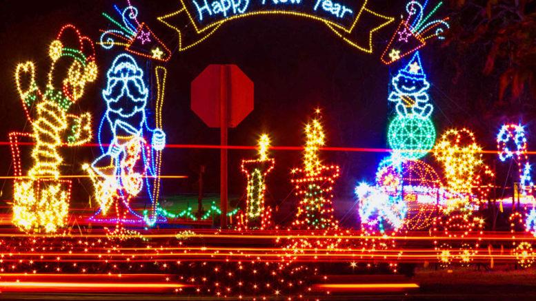 Vasona Lake Christmas Lights 2020 Fantasy of Lights dazzles in Los Gatos   Cupertino Today